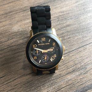Michael Kors / Black & Gold classic watch